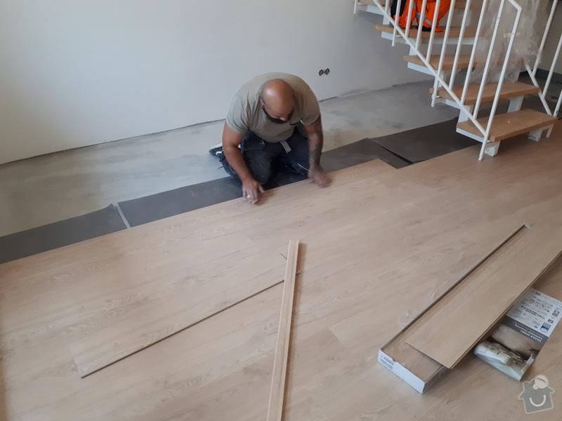 Pokládání plovoucí podlahy.